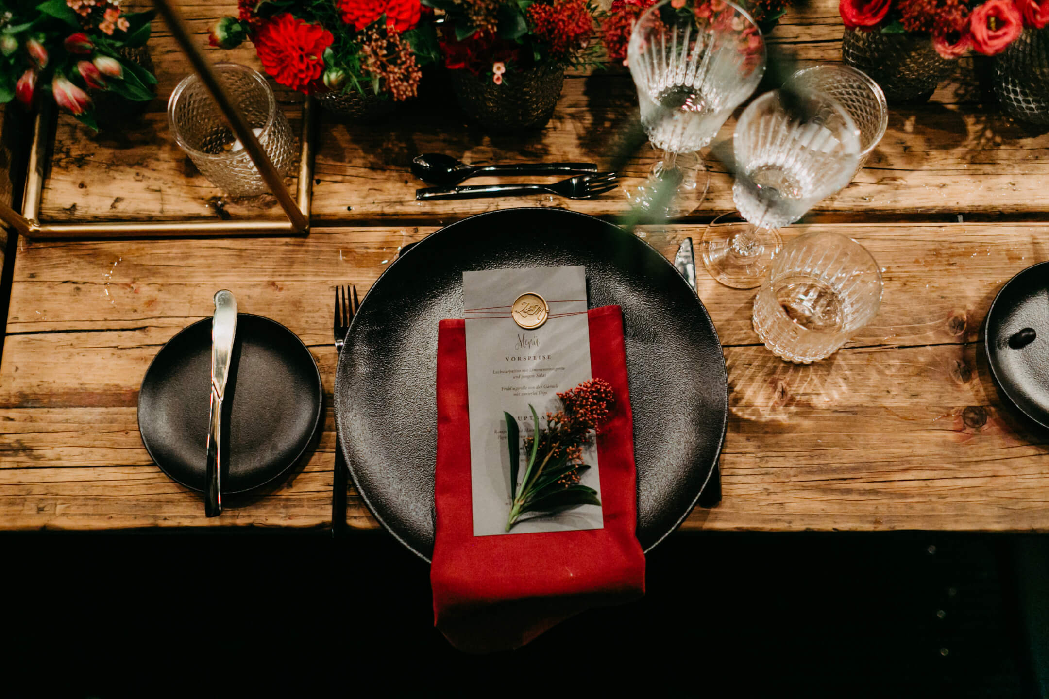 red and black colored weddingdecoration