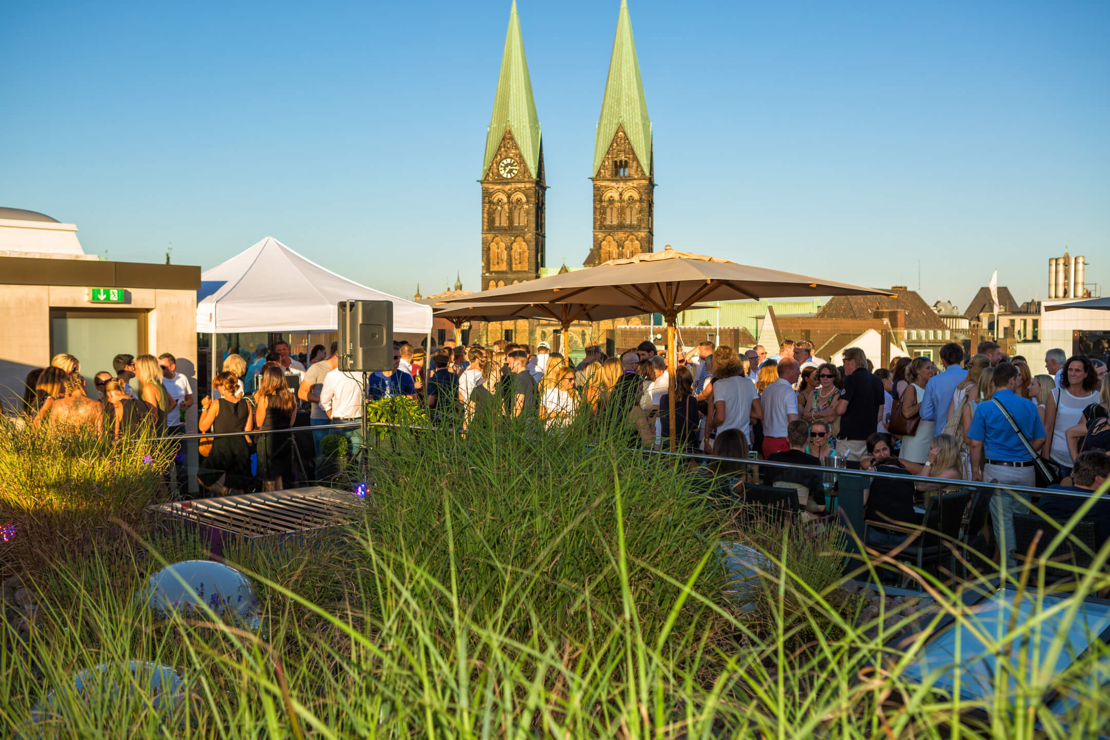 Event on the roof terrace, in the background the Bremen Cathedral