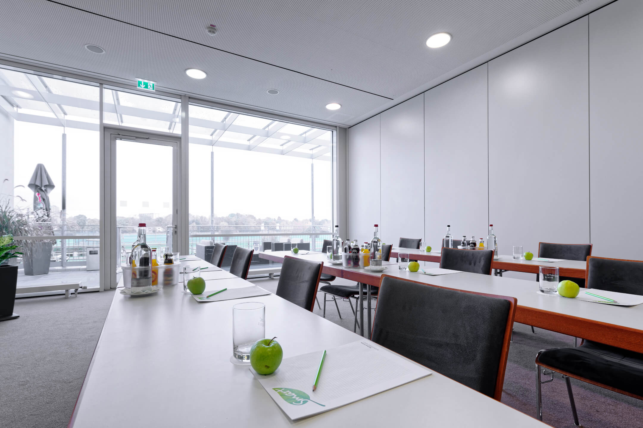 Meeting room with parliamentary seating | ATLANTIC Hotel Galopprennbahn Bremen