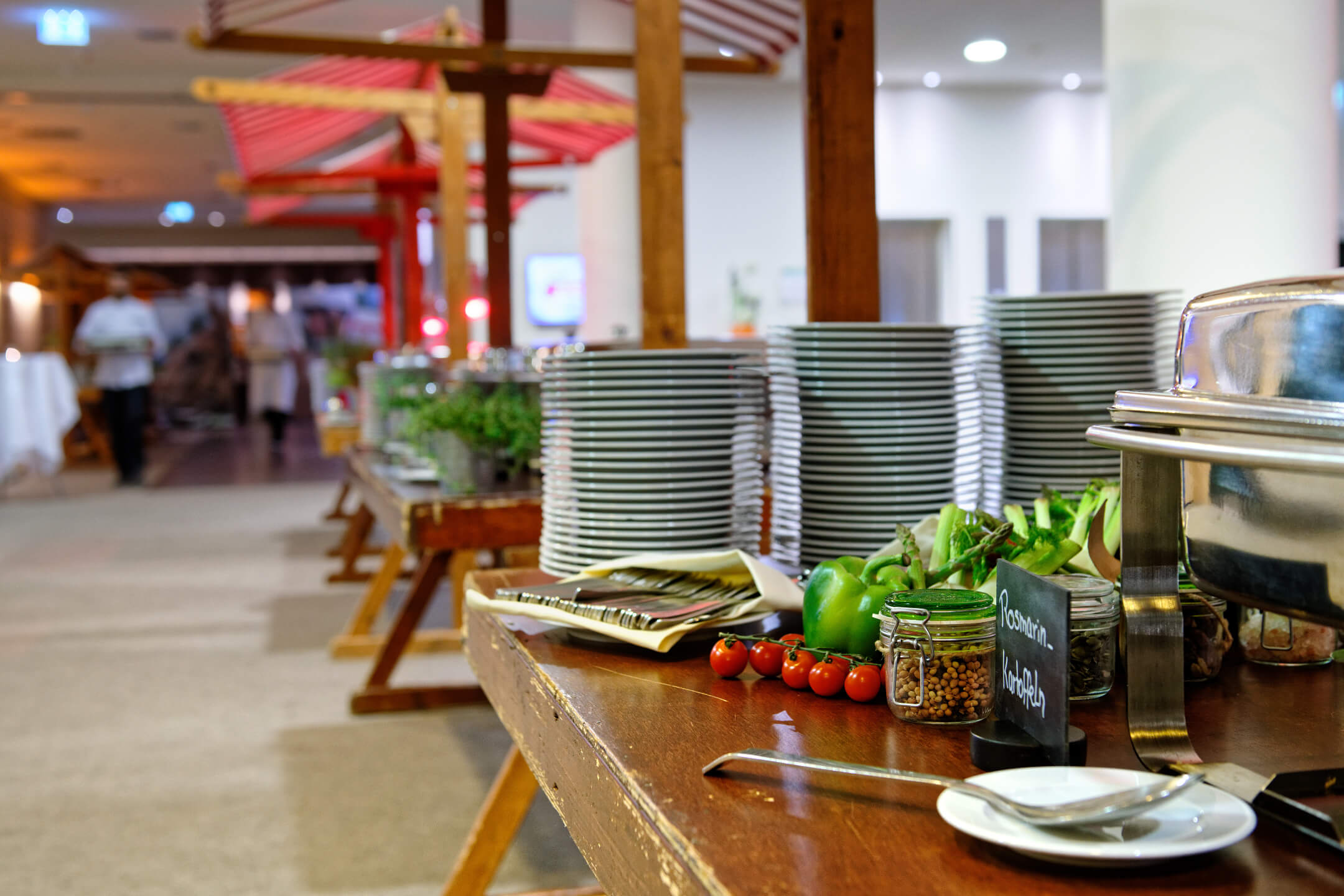 Event with buffet and market stands | ATLANTIC Hotel Galopprennbahn Bremen
