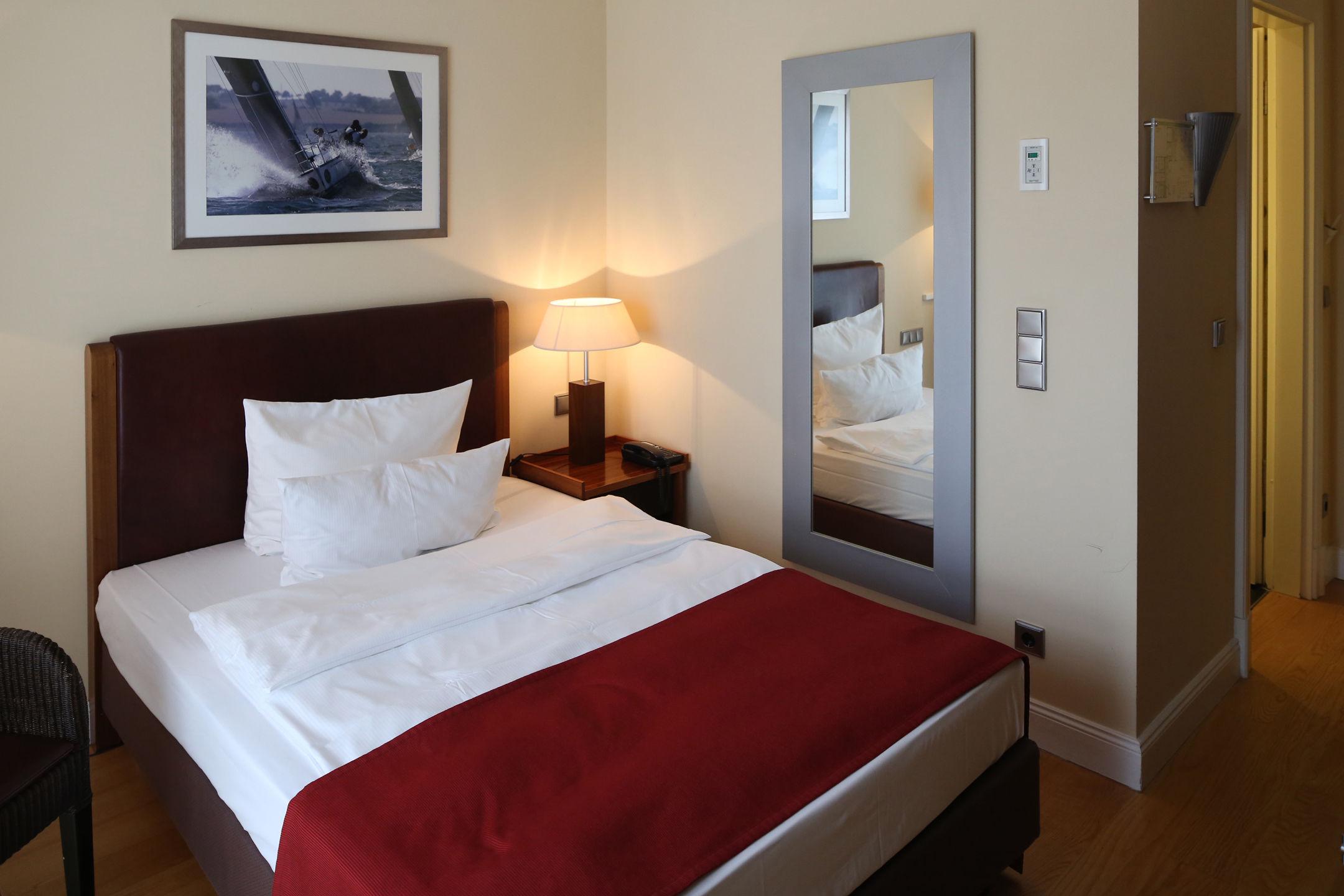 atlantic grand hotel travem nde einzelzimmer. Black Bedroom Furniture Sets. Home Design Ideas