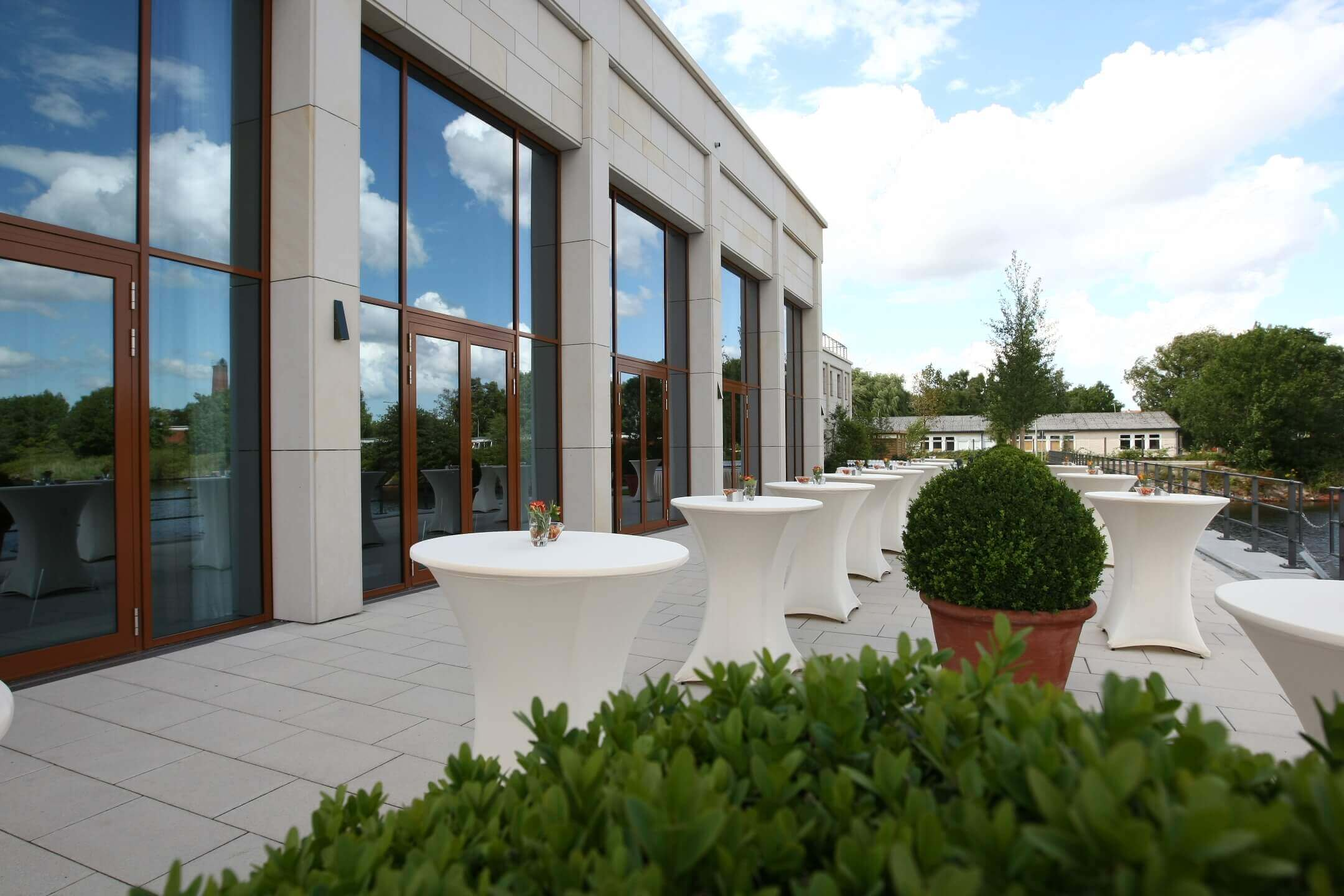 Terrace for reception │ ATLANTIC Hotel Wilhelmshaven
