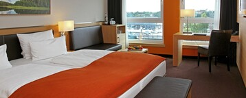 Double bed in the Superior Room with an amazing view in the ATLANTIC Hotel Kiel