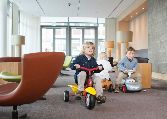 Kids playing in the play room at the Restaurant PIER 16 in the ATLANTIC Hotel Kiel