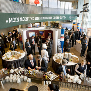 Empfang und Buffet im Conference Foyer
